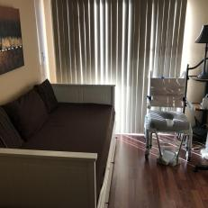 2 bedroom w shower chair guests can use